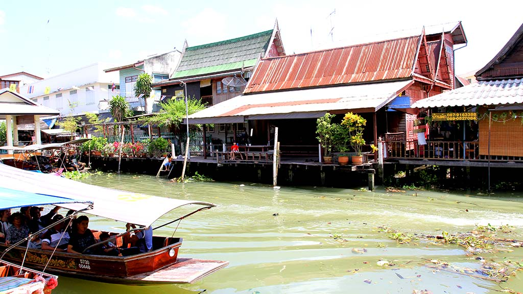Amphawa floating market.