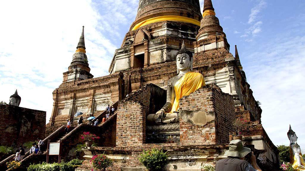 Wat Yai Chai Mongkol in Ayutthaya.