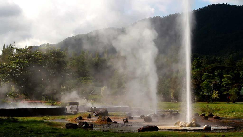 Sankhampaeng Hot Springs.