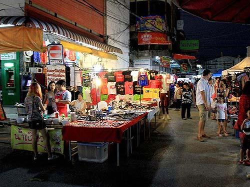 Night Bazaar in Chiang Rai.
