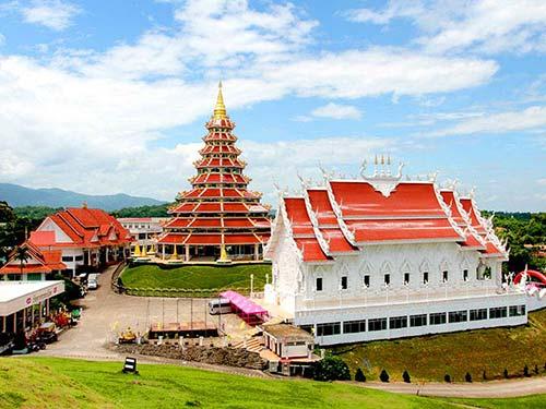 Wat Huai Pla Kang, Buddhist complex.