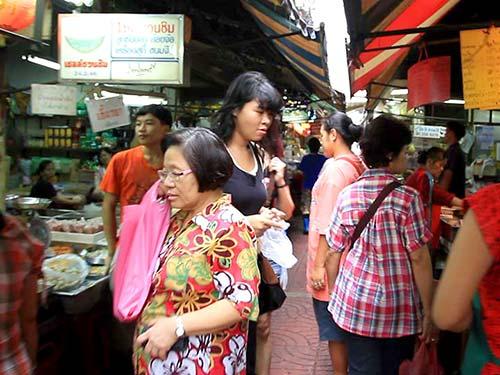 Sampeng Lane, Chinatown.