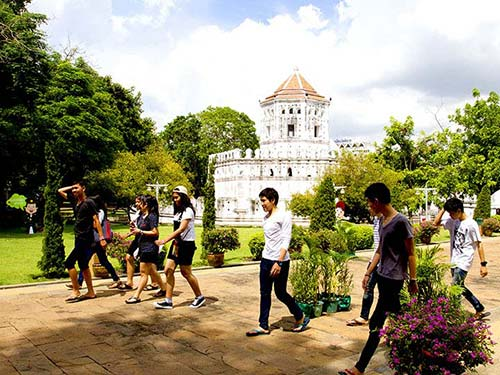 Phra Sumen Fort.