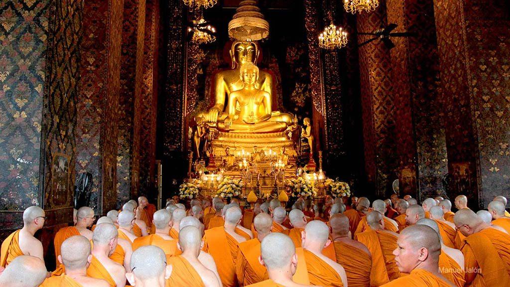 Ordination hall, Wat Bowonniwetwiharn.