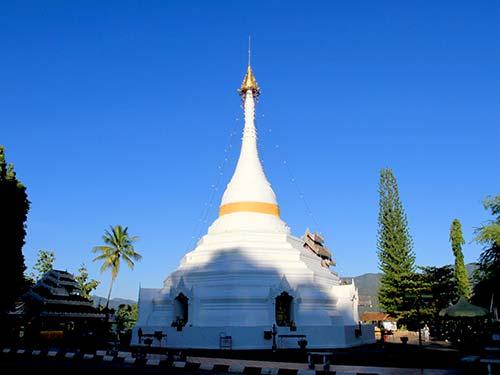 Wat Phrathat Doi Kong Mu, Mae Hong Son.