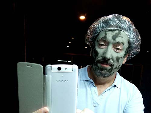 The face of the author with a mud mask.. Phuklong Country Club