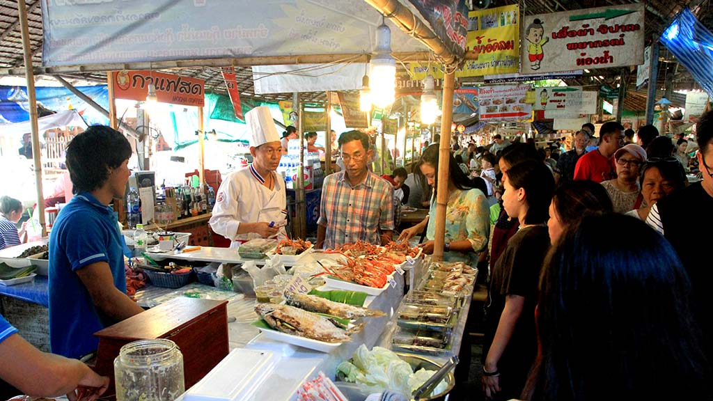 Lat Mayom floating market