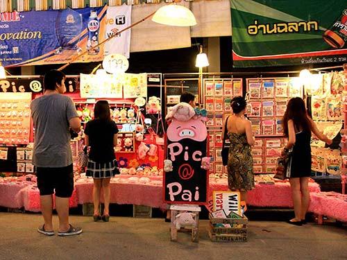 Pai Night Market.