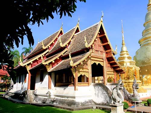 Lai Kahm, small vihaan, Wat Phra Singh.