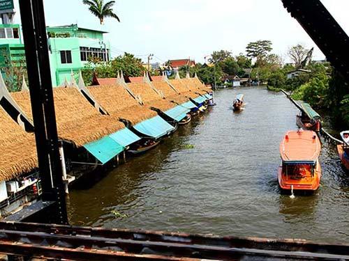 Taling Chan floating maket, Bangkok