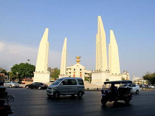 Democracy Monument square, Rattanakosin.