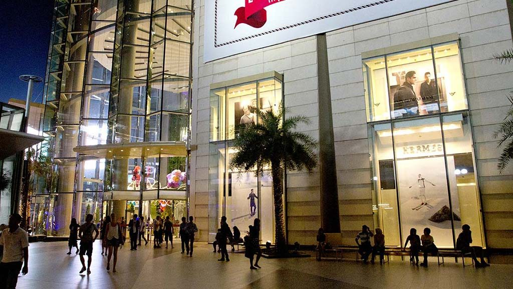 Siam Paragon shopping centre in Siam district.