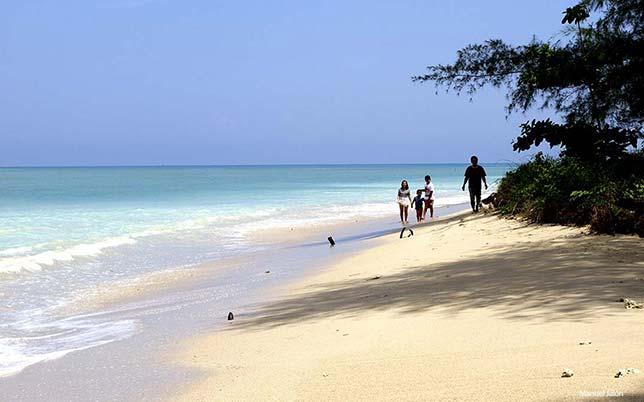 Khuk Khak Beach, Khao Lak.