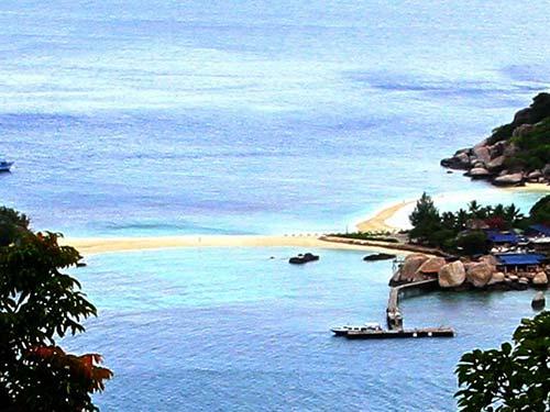 Nang Yuan beach.