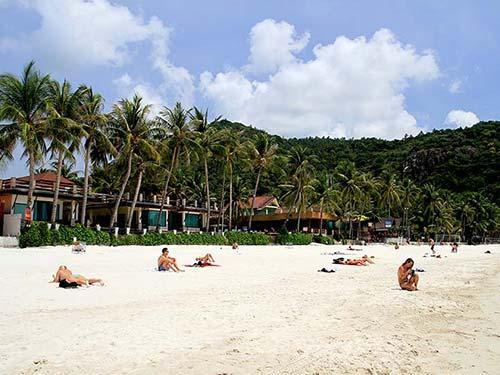 Haad Rin beach.