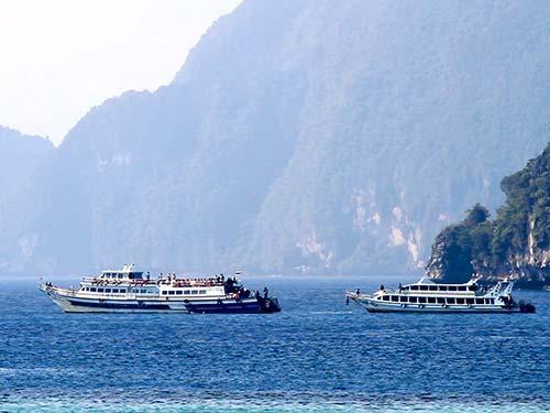 Koh Phi Phi Don Bay.