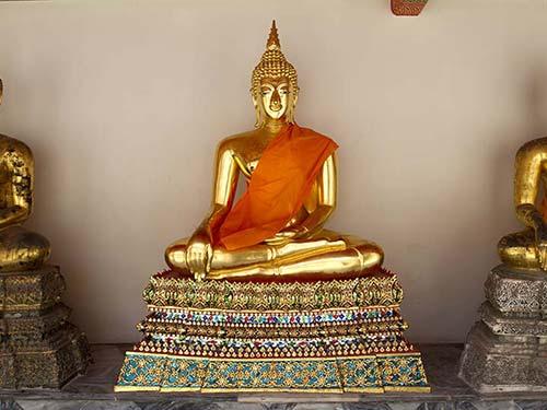 Cloister of Wat Pho.