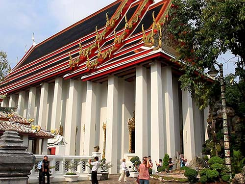 Vihan housing the huge reclining Buddha